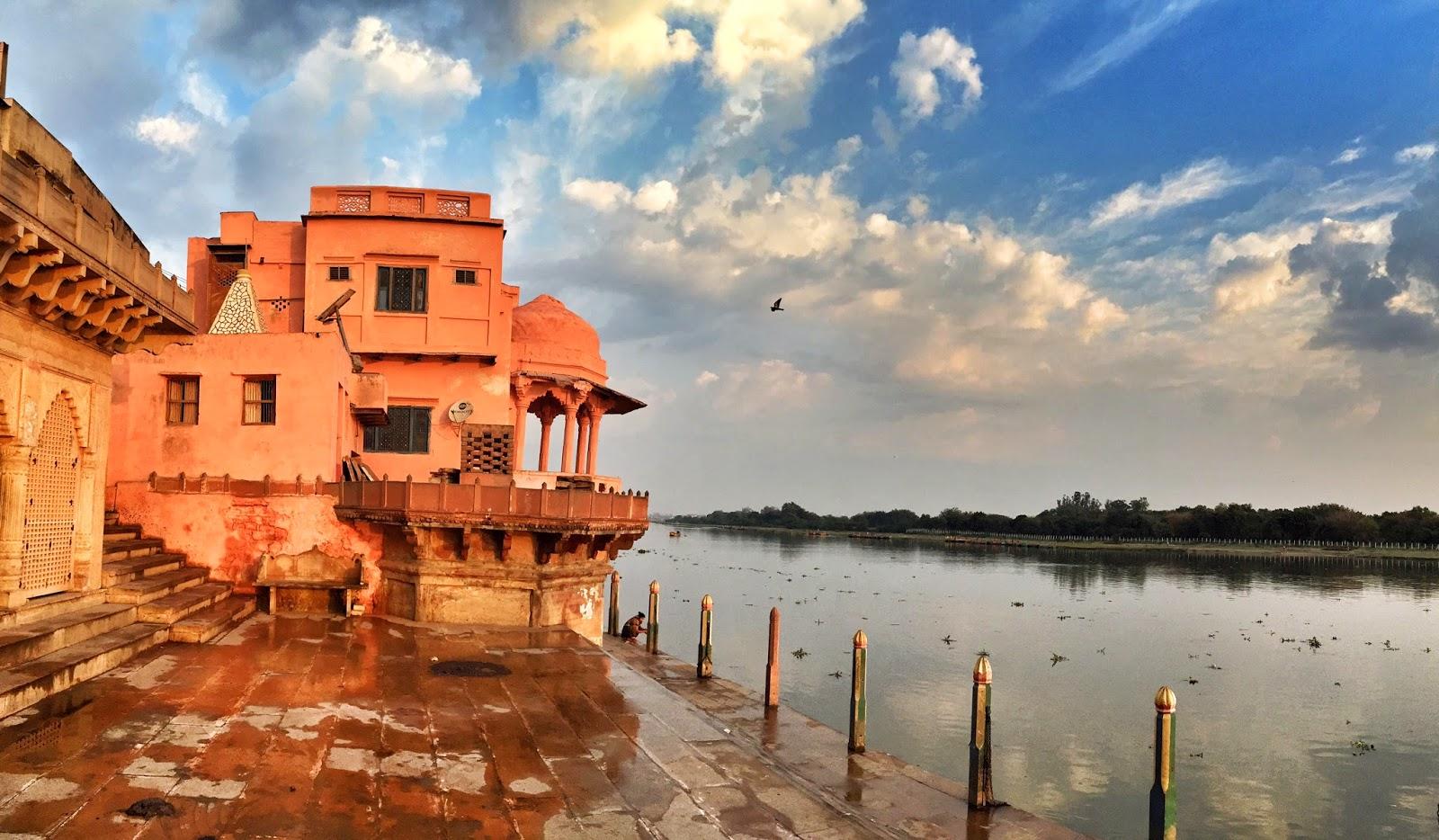 places to visit in mathura vishram ghat