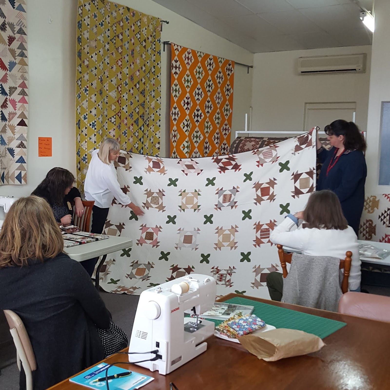 Chester Criswell Quilt And Friends