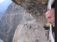 Jalan Paling Mengerikan di Dunia, Lihat Videonya Bikin Merinding