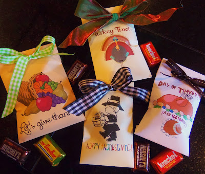 http://hollyshome-hollyshome.blogspot.com/2013/11/thanksgiving-treat-bag-printable.html