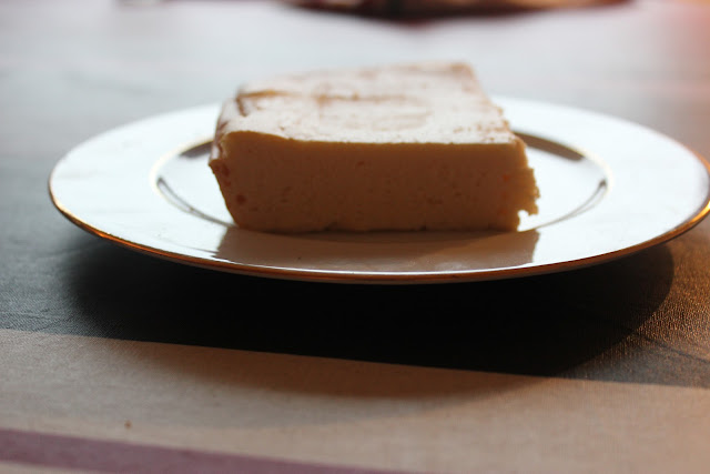 https://cuillereetsaladier.blogspot.com/2013/06/kez-kihn-gateau-de-fromage-blanc.html
