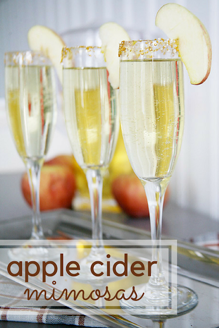 Apple cider mimosas recipe. Perfect cocktail for a fall brunch, baby shower, or wedding.