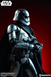 Captain Phasma Premium Format Figure de Star Wars: The Force Awakens - Sideshow Collectibles