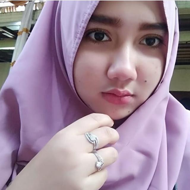 Torial on Beautiful Hijab Full of Charisma