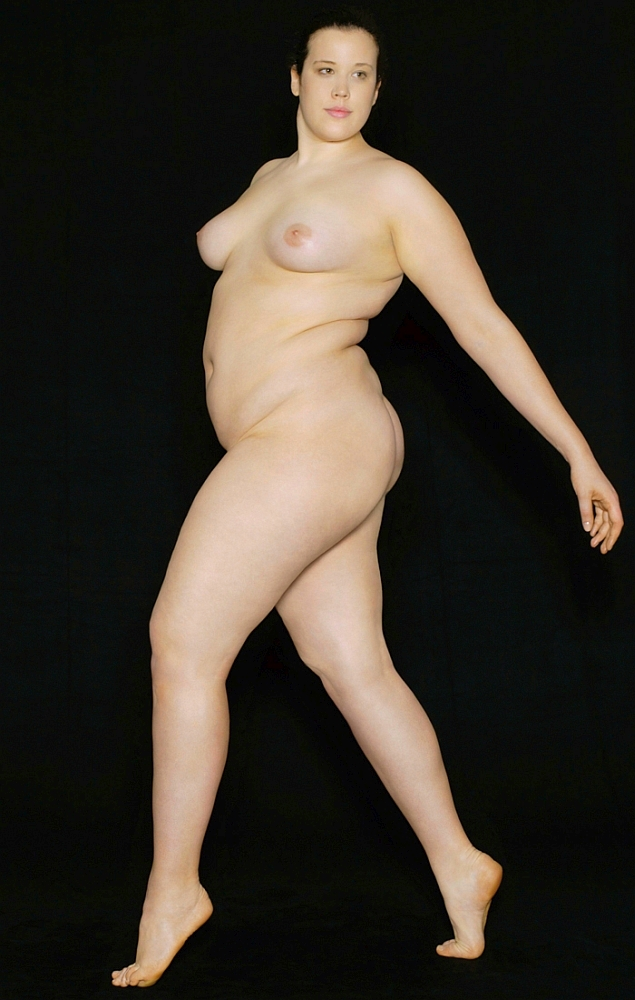 Voyeur Stunning Curvy Blonde Poses For Life Drawing Def Porn300 1