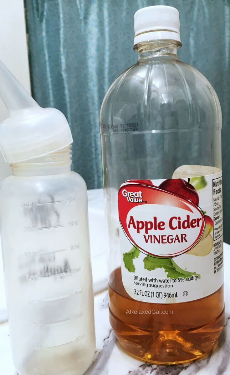 Why I Rinse My Hair With Apple Cider Vinegar | A Relaxed Gal