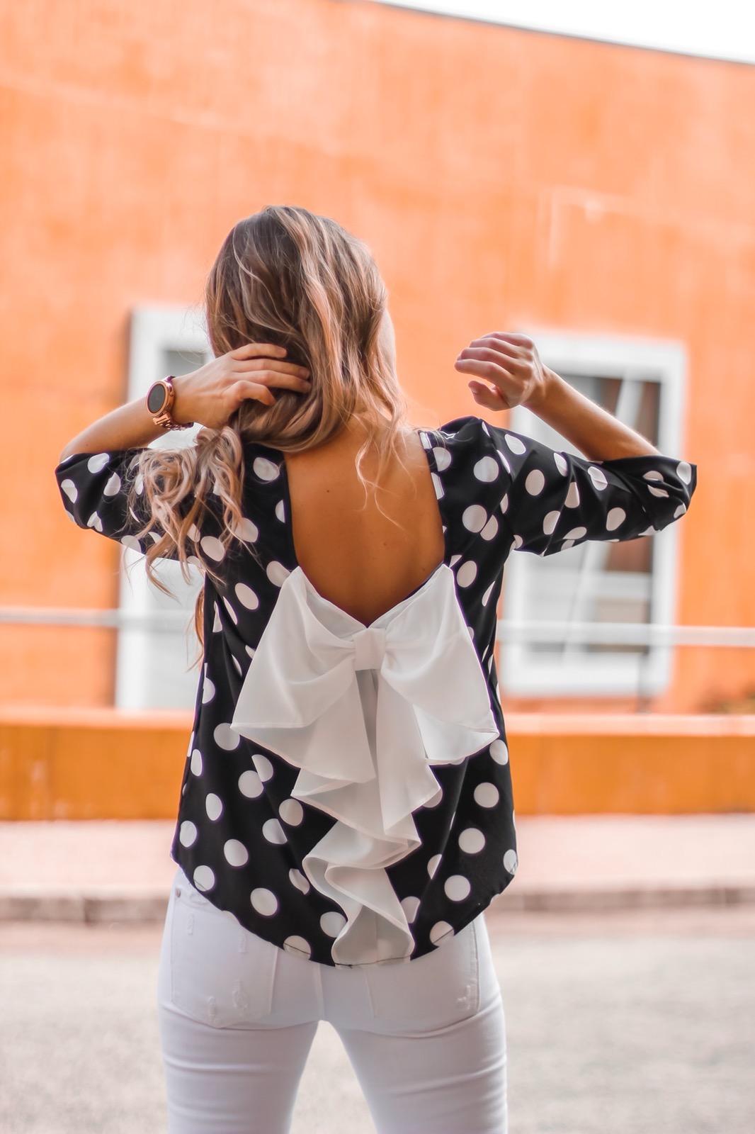 blusa lazo en la espalda