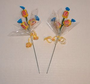 букет конфетный, композиции конфетные, подарки на 1 сентября, подарки на День Учителя, подарки сладкие, подарки школьные, шоколад, конфеты, подарки для школьников, конфеты в подарок, шоколад в подарок, 1 сентября, День учителя, школьное, подарки сладкие, подарки из конфет, подарки из шоколада, подарки съедобные, букеты съедобные, своими руками, подарки своими руками, из конфет своими руками, упаковка конфет, http://handmade.parafraz.space/, http://prazdnichnymir.ru/ Конфетный букет в цветочном горшке