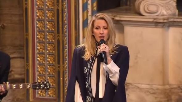Ellie Goulding canta para la familia real de Inglaterra.