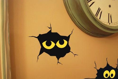 Download Creepy Wall Cracks for Halloween - Burton Avenue