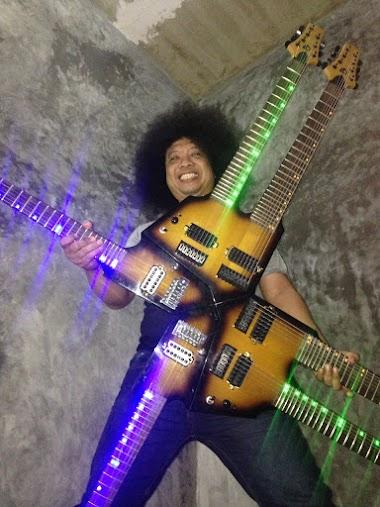 Komposisi body neck jeroan Gitar 6 kepala Puguh Kribo pada REKOR MURI 20 November 2017