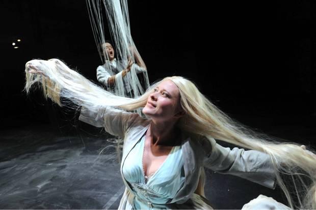 Ilona Domnich & Simon Wallfisch - Pelleas et Melisande - Grimeborn Festival - photo Alastair Muir