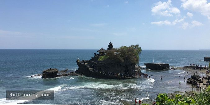Tanah Lot Temple, Tanah Lot Morning Tour Package - Half Day Bali Tanah Lot Temple Tours Itinerary in the morning, Bali driver hire to go to Tanah Lot Bali, Tanah Lot Tour