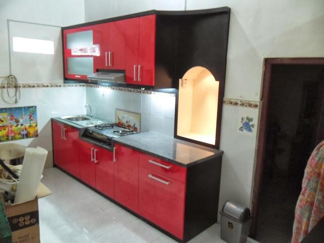 dapur warna merah muda