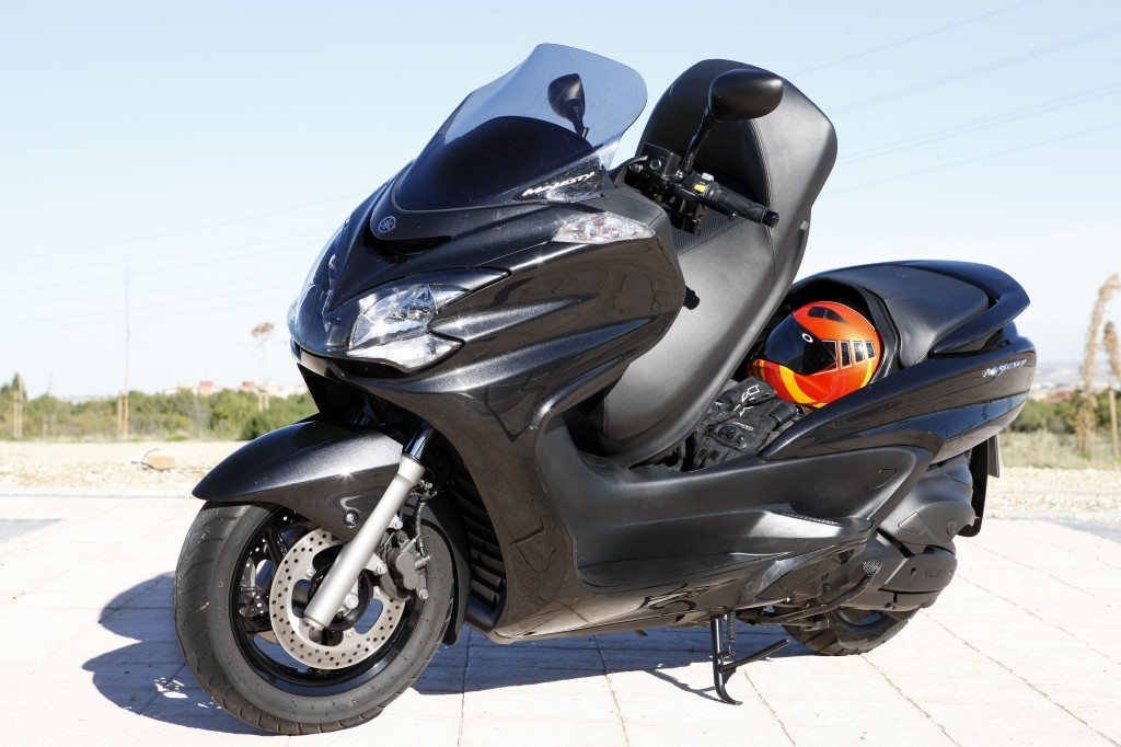 yamaha majesty review motorcycle pictures. Black Bedroom Furniture Sets. Home Design Ideas