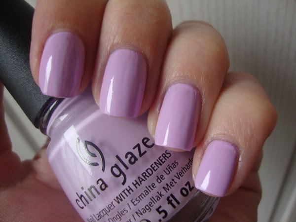 CHINA GLAZE - SWEET HOOK & KONAD