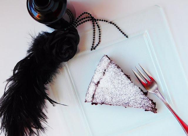 torta z rdečim fižolom brez glutena