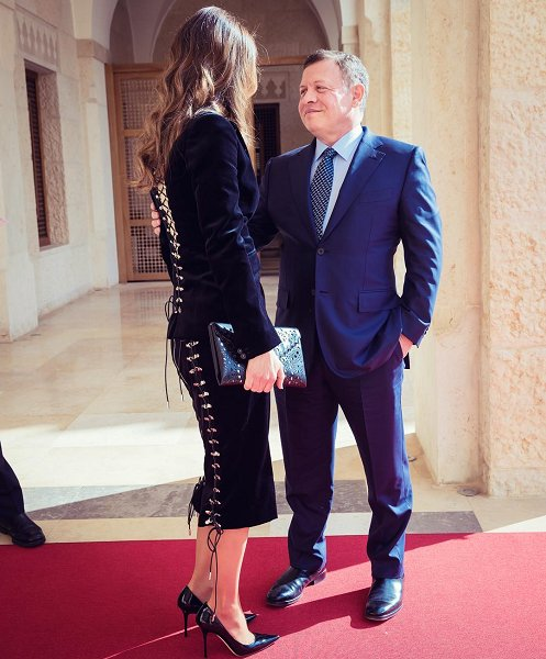 Queen Rania style, wore Velvet suits, diamond earrings and rings, Gianvito Rossi Black