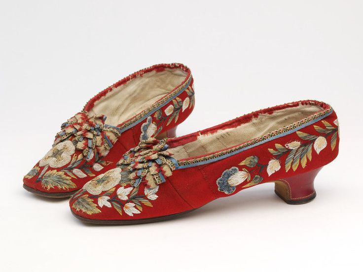 Silkdamask Red Pumps With Moosehair Embroidery 1850 1875