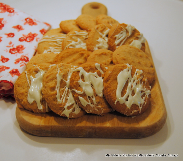 Peanut Butter Cookies with White Chocolate Drizzle at Miz Helen's Country Cottage