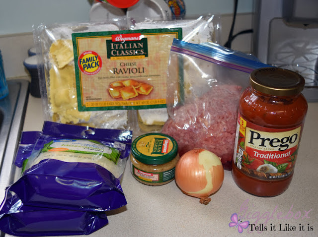 ravioli lasagna made in the crock pot, ravioli lasagna made in the slow cooker, raviioli, lasagna, pasta recipes, simple meals, ravioli lasagna, cooking with a crock pot or slow cooker, crock pot or slow cooker recipe, ingredients for ravioli lasagna,