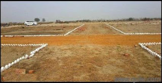 Plot Area: 2000 Sq.Ft @ Price Rs. 800/Sq.Ft.  Property Description: Residential land available for sell. Located in Kusmi Bazar ( Kasya Road, Gorakhpur).Available at an price of 16 lac, it is a freehold property amenities: road