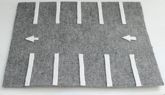 DIY dla dzieci: parking dla samochodów z filcu