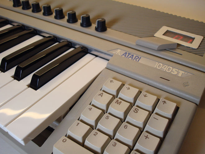 matrixsynth custom midi controller in atari 1040st case yamaha ym2149 mini synth. Black Bedroom Furniture Sets. Home Design Ideas