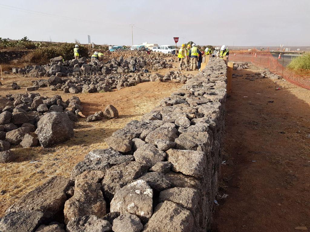 Fuerteventura 15 alumnos del pfae 39 construyendo futuro - Colocacion piedra natural ...