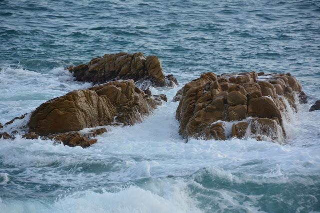 Platja D'aro braking waves