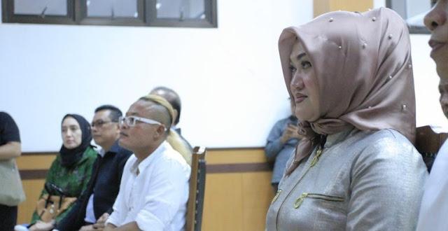 Akrab dengan Pria Lain, Lina Ngaku Tak Selingkuh dari Sule