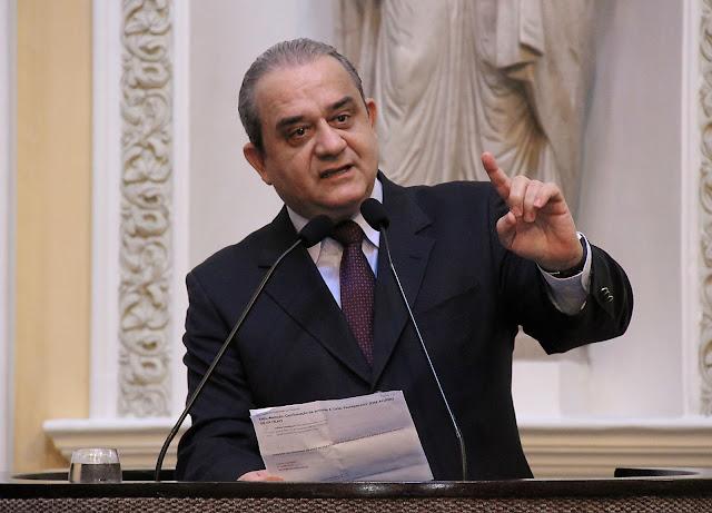 Aluísio Lessa esclarece sobre UPAE de Goiana