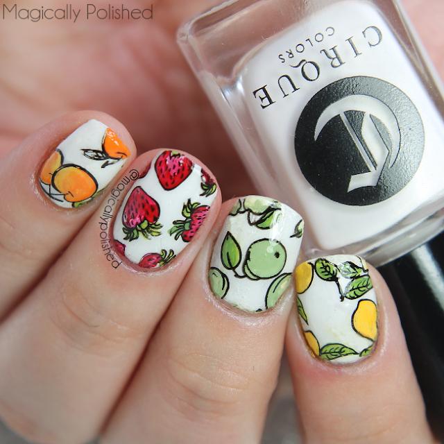 uñas lindas decoradas con flores