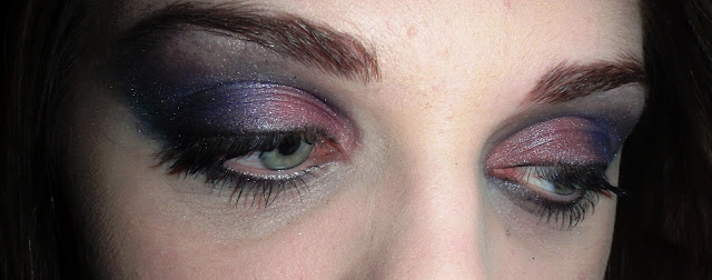 plum and gray smokey eye shadow