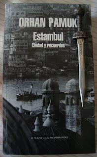 Portada del libro Estambul. Ciudad y recuerdos, de Orhan Pamuk