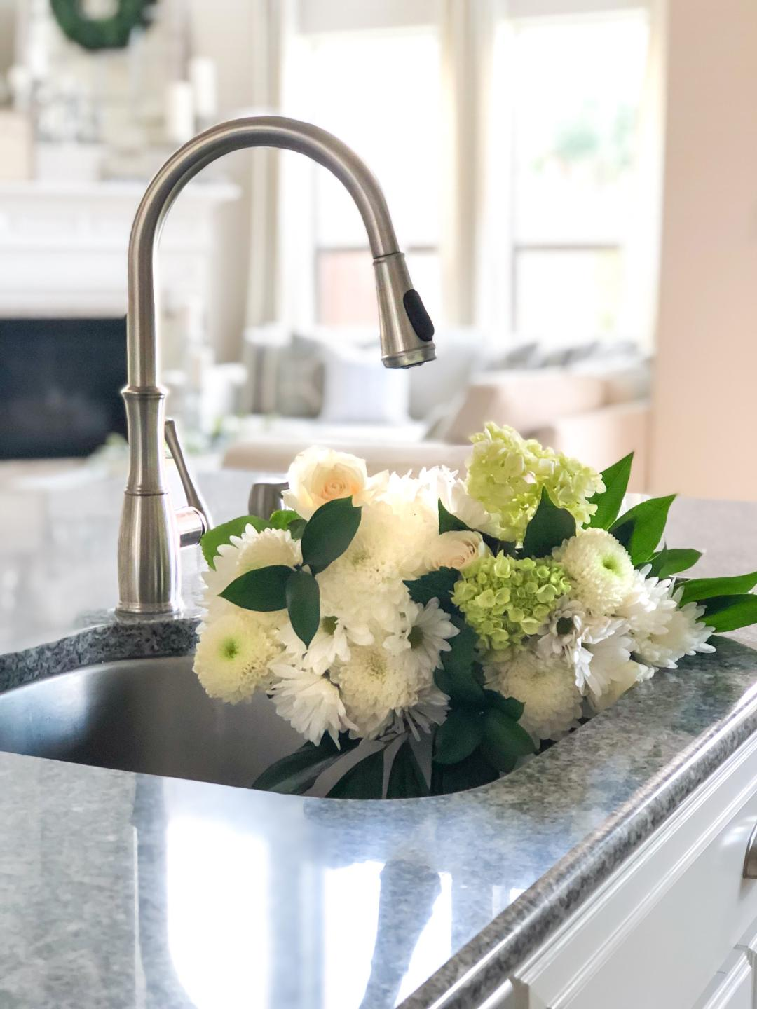 Nissa-Lynn Interiors: A New Kitchen Faucet is a Game Changer!