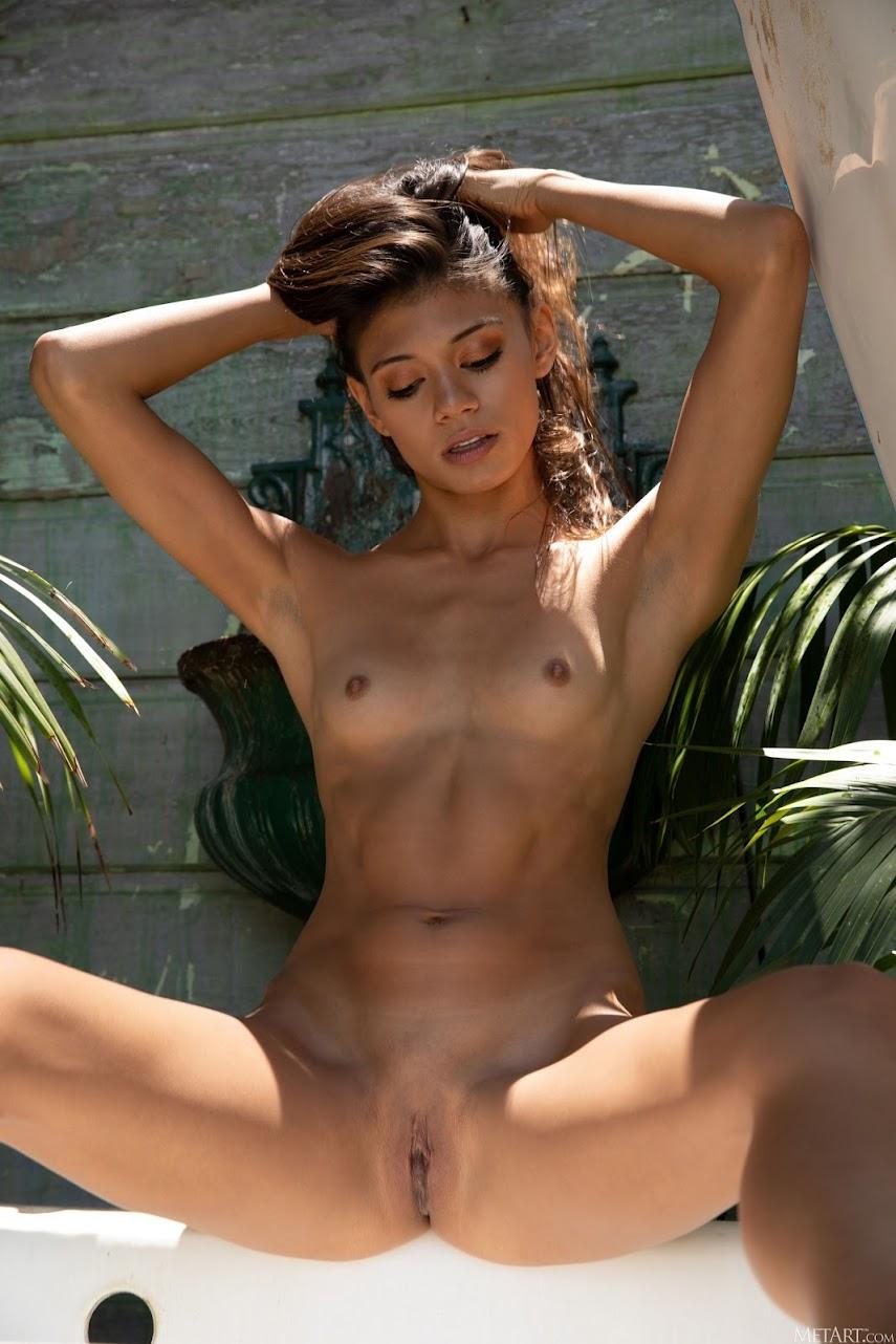 [Playboy Plus] Hannah Le - Takeoff