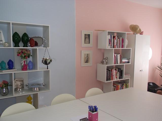 Escritório cor de rosa. Blog Achados de Decoração
