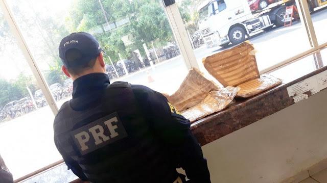 Em abordagem de rotina PRF encontra 3,8kg de cocaína em ônibus interestadual