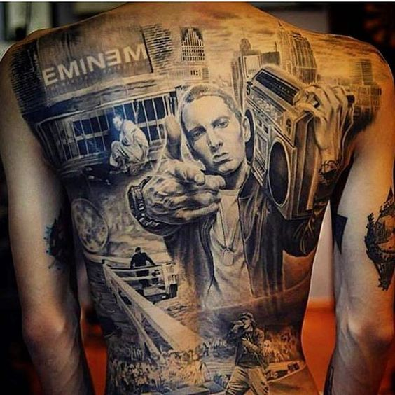 Tatuaje De Eminem En Blanco Y Negro En La Espalda Fotos De Tatuajes - Tatuajes-eminem
