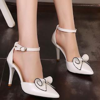 Risultati immagini per footwear