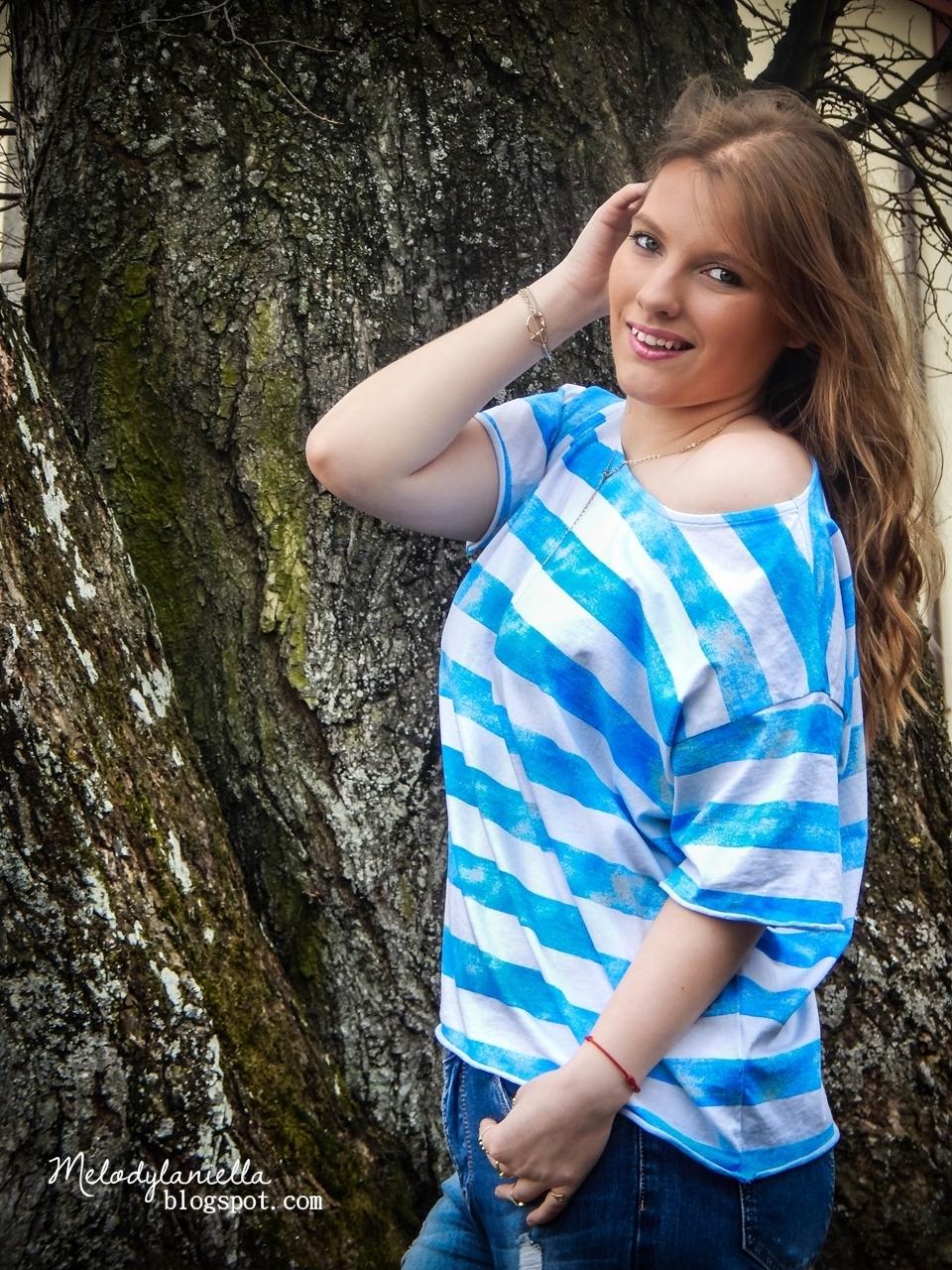 bonprix bluzka w bialo niebieskie paski tshirt koszulka marynarska style moda lato wakacje