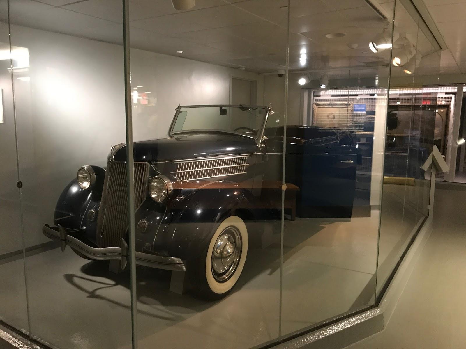 1936 Ford Phaeton