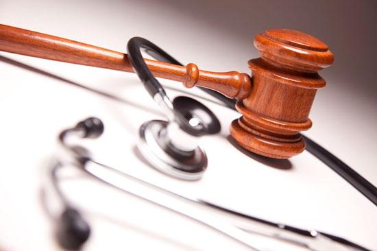 Médicos en paro por nuevas leyes que regulan su labor