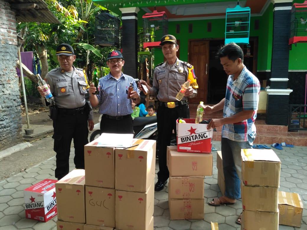Jelang Lebaran, Polres Kebumen Berhasil Sita Ratusan Botol Miras