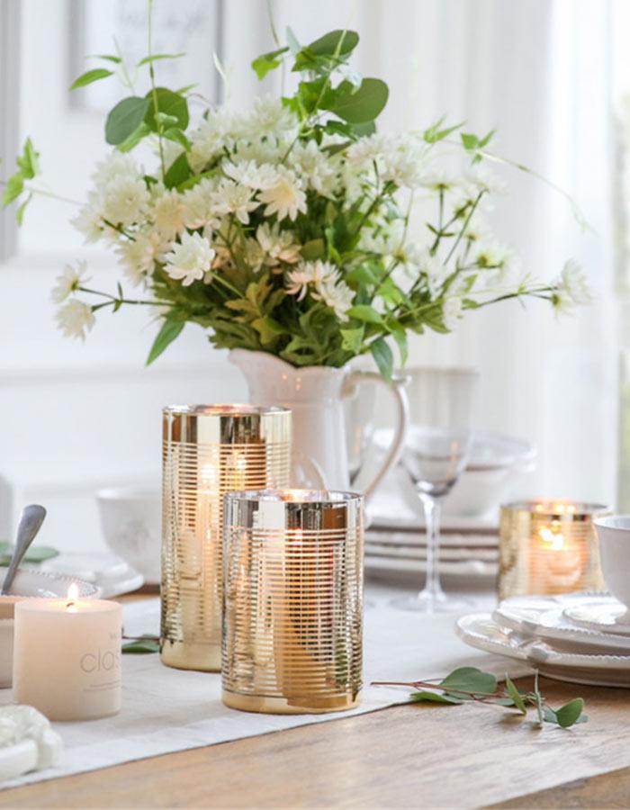 Velas na decoração da mesa do jantar: fica lindo não somente no Natal!