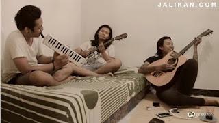 Lirik dan MP3 lagu Ganteng ganteng selem Trio GGS