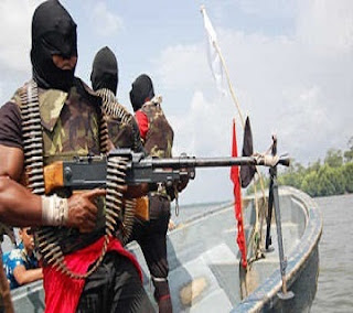 BREAKING: Troops, N'Delta Avengers In Gun Duel At Bayelsa; Militants Flee, Many Injured