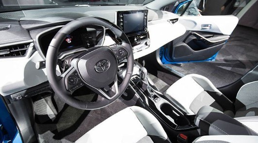 2019 Toyota Corolla XLE review with specs, horsepower and price