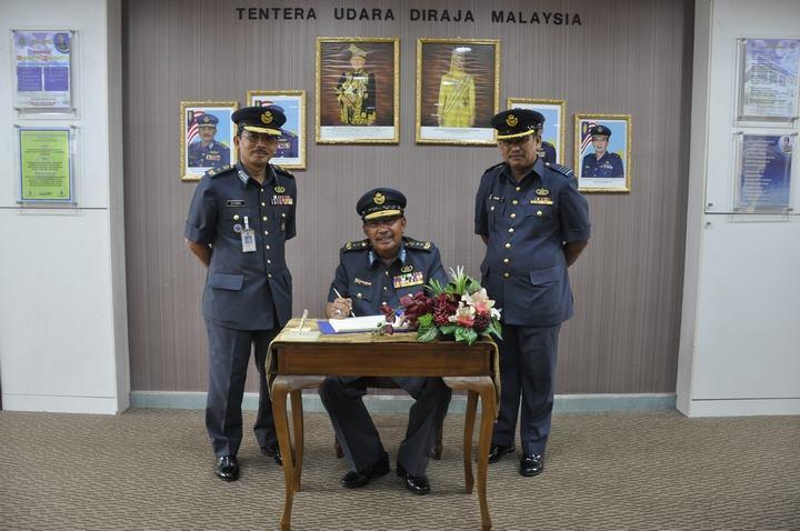 Putera Lapis Mahang My Military Life Af 104 Selamat